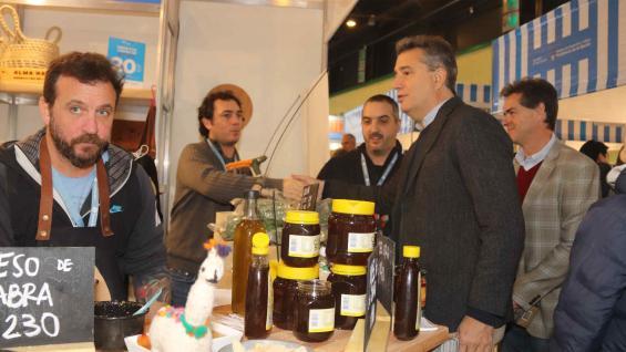 ETCHEVEHERE. El secretario de Agroindustria estuvo en la apertura de la muestra. (Secretaría de Agroindustria)