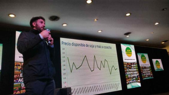 PROYECCIÒN. Gonzalo Agusto presentó los cálculos de márgenes para la próxima campaña. (Agrovoz)