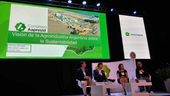 REFERENTE. El presidente de Ciara, Gustavo Idígoras, disertó en un panel en el marco de Aapresid. (Agrovoz)