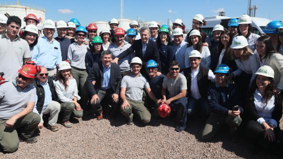 MACRI. Junto a parte del equipo que trabaja en Bioeléctrica y Bio 4. (Presidencia)