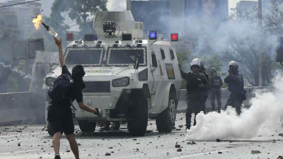 Más de 70 heridos durante manifestación en Venezuela