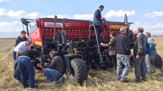TECNOLOGÍA. En Armenia, probaron por primera vez la siembra directa con trigo. (Gentileza Cafma)