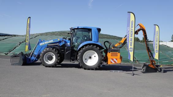 A GAS. Tractor New Holland modelo T6.180 que funciona con biometano, en el establecimiento francés. (FTP)