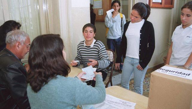 Desde 1995. En la elección de intendente de Córdoba, pueden votar los chicos de 16 (LaVoz/Archivo).