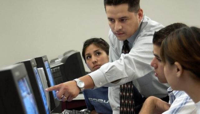 Dificultades. El mercado laboral es más adverso para los jóvenes (AP/Archivo).