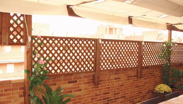 Celos as para cambiar el paisaje la voz del interior for Celosia de madera para jardin