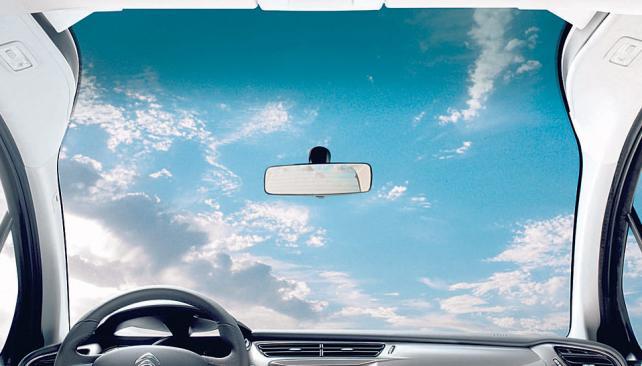 Esta es la visual desde el interior del nuevo Citroën C3, gracias a su parabrisas Zenith.