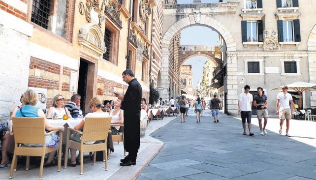 Piazza dei Signori, con bares y restaurantes para ver pasar la vida.