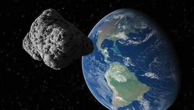 HISTÓRICO. Es la primera ocasión en que una roca de su tamaño pasa tan cerca del planeta (Fotomontaje de La Nasa).