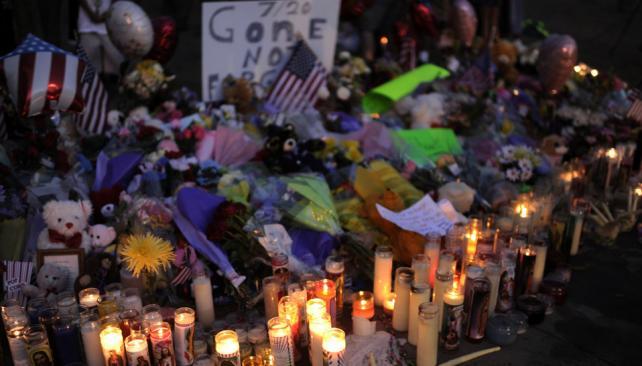 SANTUARIO. Los familiares de las víctimas realizaron un altar en honor a los muertos (AP).