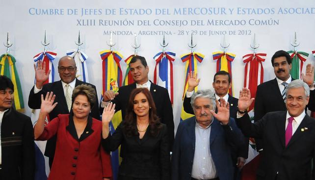 Saludo mendocino. La región condenó la destitución de Lugo (DyN).