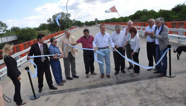 SCHIARETTI. El Gobernador, durante la habilitación del puente (Prensa Gobierno de Córdoba).