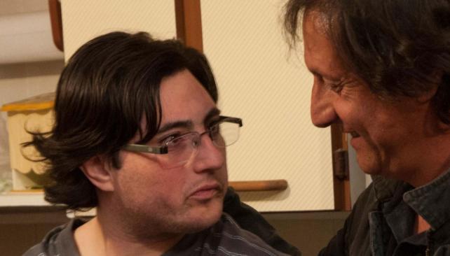 Juntos. Alejandro le pudo agradecer en persona a Jorge que lo haya salvado de las llamas. El hecho marcará la vida de ambos (La Voz).