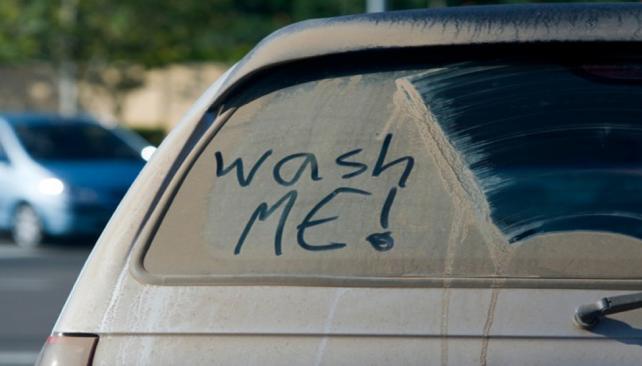 En Rusia, conducir con el auto sucio es ilegal y los conductores pueden ser multados. (Foto Mundo Maipú)