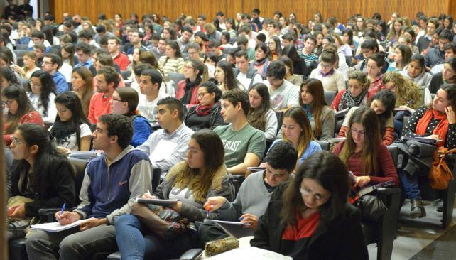 Expectativas. La nueva realidad de la Universidad Provincial de Córdoba ha generado mucho interés. De hecho, hay carreras en las que no podrán ingresar  todos los preinscriptos (Facundo Luque/Archivo)