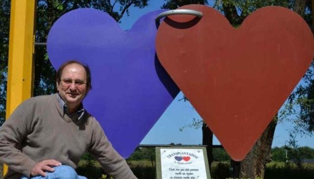 Monumento al donante de órganos, cuya construcción gestionó Miguel Gallo el año pasado en Hernando (La Voz).