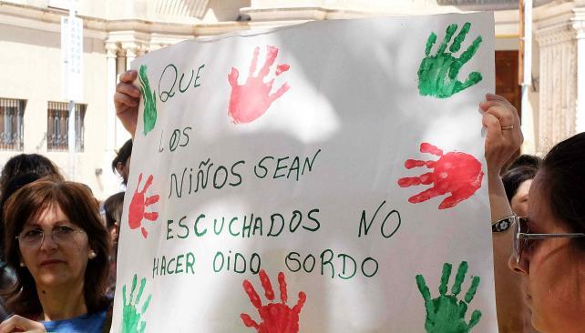 NiUnoMenos - Piden NiUnoMenos, contra el abuso infantil