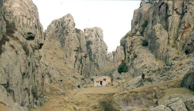Antes. Foto de 1998 de la zona de los refugios en Los Gigantes.