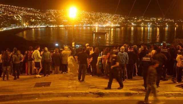 CHILE. Evacuación en la zona de Valparaíso (Gentileza El Mercurio).