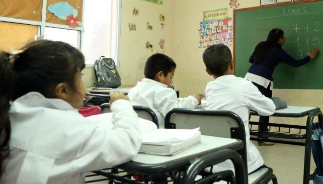 A duras penas se cumplen en el país los 180 días de clases (Télam/Archivo)