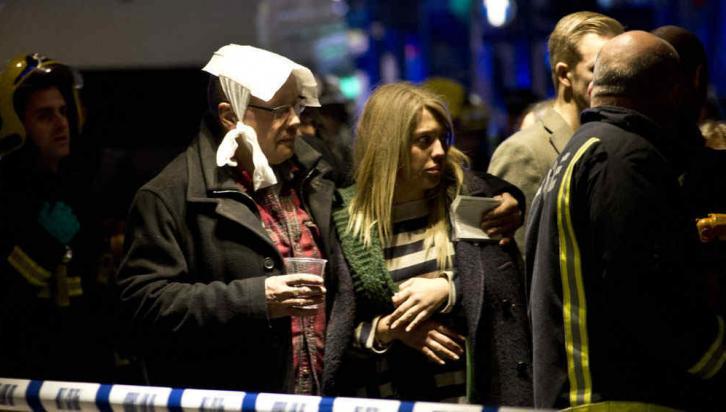 LONDRES. Se derrumbó el techo de un teatro (AP).