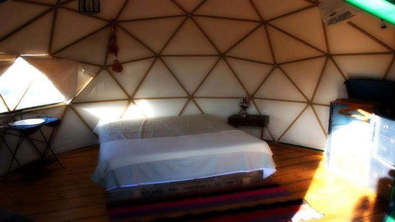 En Córdoba, sus escenarios naturales son vividos por los turistas que desean dormir mirando las estrellas, desde la comodidad de un sommier. (Grupo Edisur)