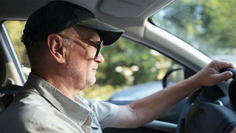 Las personas mayores tienen a su favor que son respetuosas de las normas de tránsito, pero deben ser precavidos para evitar siniestros viales. (Mundo Maipú)