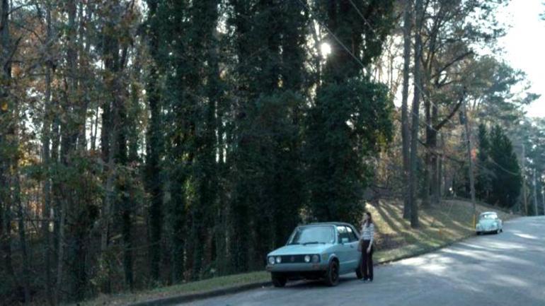 El personaje de Barbara tiene un Volkswagen Golf Cabriolet de color celeste. (Mundo Maipú)