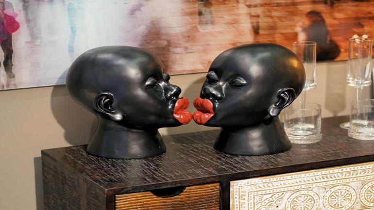 Bustos. Conviene elegir una escultura con personalidad y de colores. (Grupo Edisur)