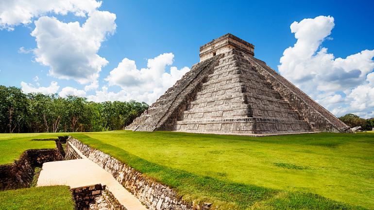 El Templo de Kukulcán es uno de los más destacados y visitados de Chichén Itzá. (Interturis)