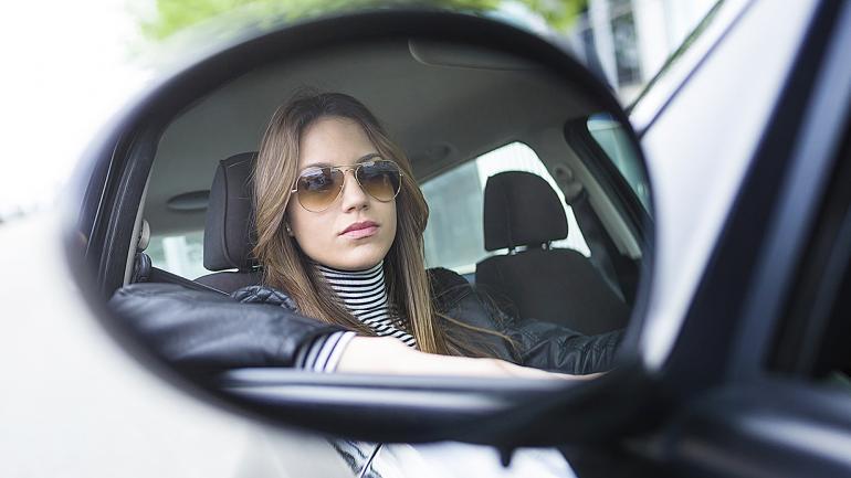 El estacionamiento debe realizarse con una separación de las ruedas a una distancia no mayor de 20 centímetros del cordón. (Mundo Maipú)