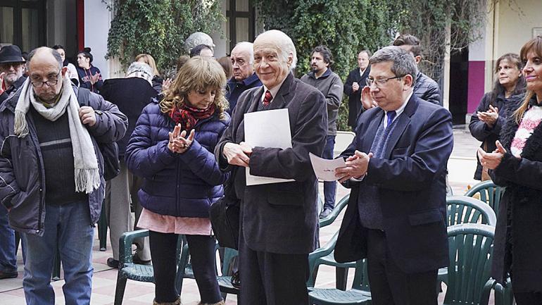 En el centro Carlos Ighina que expuso sobre Universidad Popular. (Agencia Córdoba Cultura)