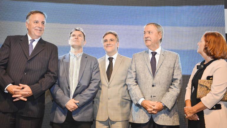 Daniel Tillard, Javier Bee Sellares, Martín Llaryora, Juan Schiaretti y Alejandra Vigo (Bancor)