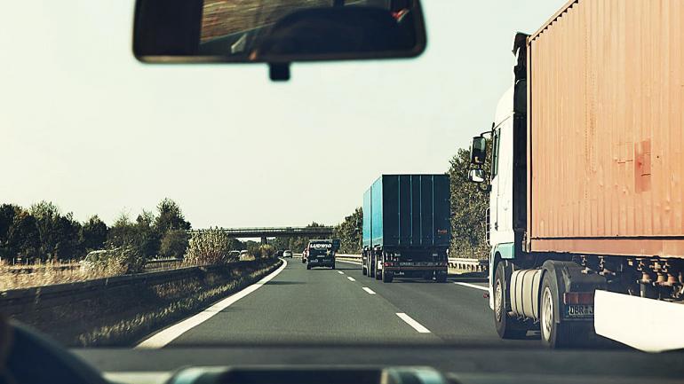 Al dejar de manejar la velocidad, el conductor puede prestar más atención a otras acciones. (Mundo Maipú)