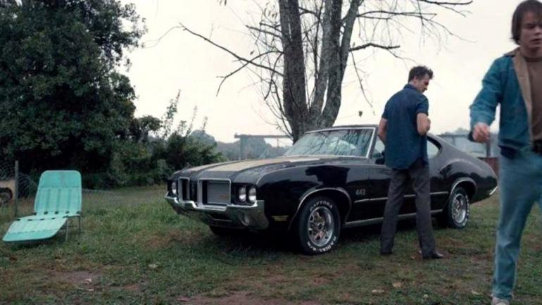El compañero de ruta de Lonny Byers, es la cupé negra Oldsmobile Cutlass 442 de 1972. (Mundo Maipú)