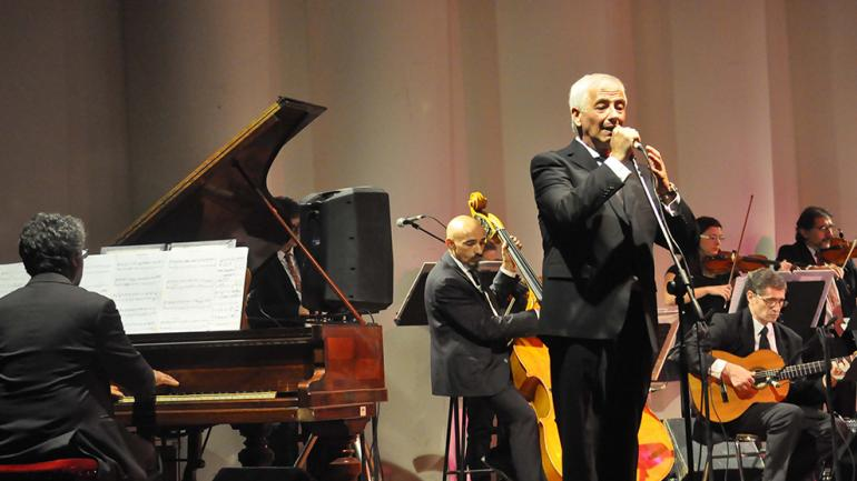 La orquesta de tango con Gustavo Visentín. Foto de Agencia Córdoba Cultura.