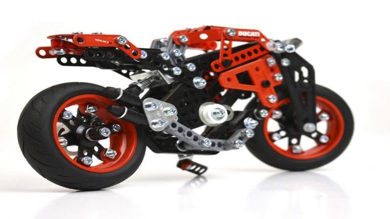 Los modelos presentan todo tipo de detalles, tanto en diseño como en funcionalidad. (Ducati Córdoba)