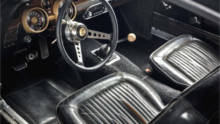 El interior del Mustang, que nunca fue modificado desde el rodaje de la película. (Mundo Maipú)