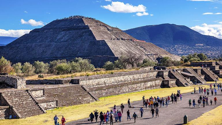 """Esta gran maravilla llamada Teotihuacán significa """"lugar dónde los hombres se hacen dioses"""". (Inteturis)"""