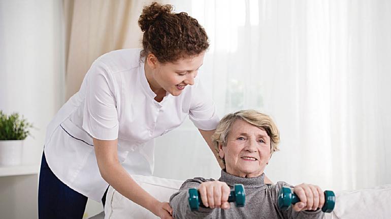 La rehabilitación luego de un ACV resulta fundamental para prevenir complicaciones y no retroceder en lo conseguido hasta el momento. (Sanatorio Allende)