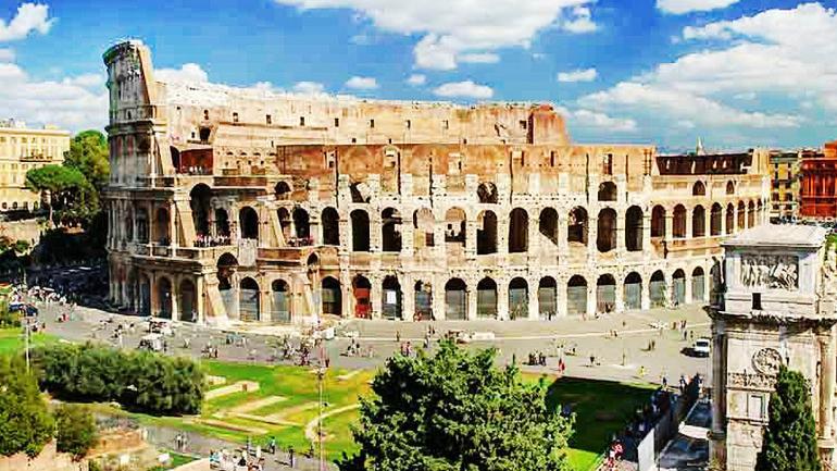 ROMA. La ciudad eterna, conserva edificios históricos como El Coliseo Romano donde se filmó Gladiador. (Interturis)