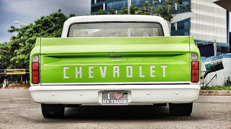 Chevrolet se destaca en el portón trasero, nombre de una marca con historia. (Mundo Maipú)