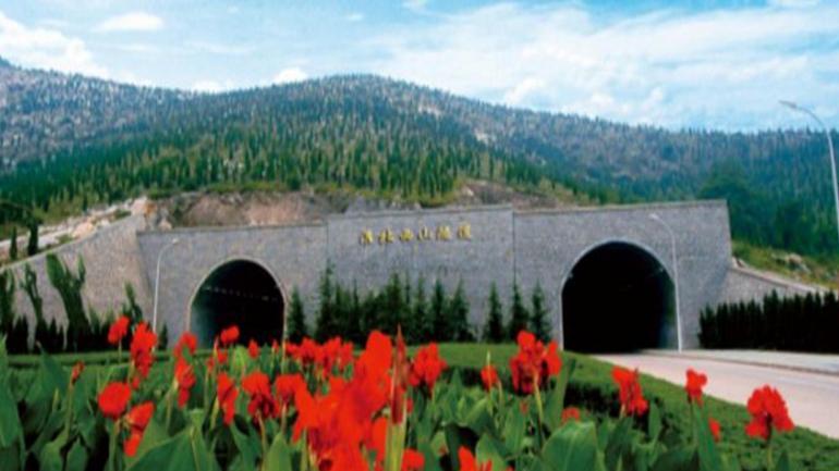 TÚNEL DE XISHAN. Es el más largo de China, ubicado en la provincia de Shanxi. (Mundo Maipú)