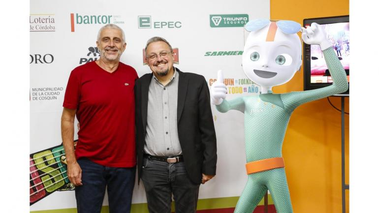 El vicepresidente de Bancor Hugo Escañuela junto al intendente de Cosquín Gabriel Musso en la entrega de premios de Cash Plus. (Bancor)