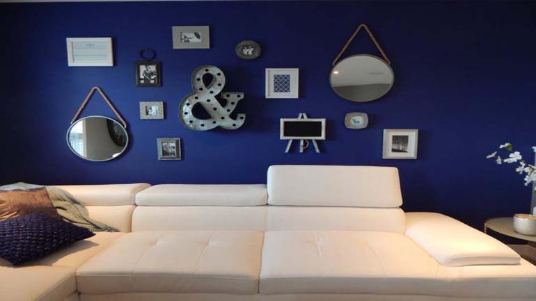 Si combinamos una pared azul con muebles blancos, la sensación de expandir el lugar es importante. (Grupo Edisur)