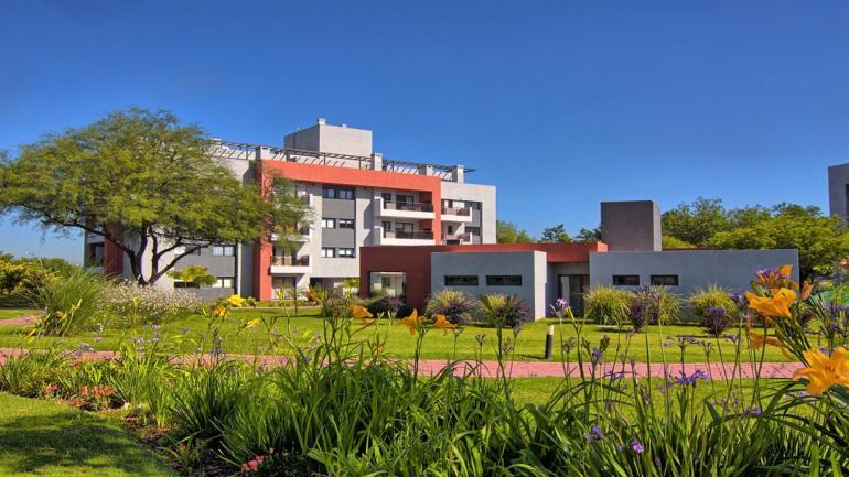 CASONAS DE MANANTIALES. Se puede acceder a través del crédito hipotecario UVA, por medio de un acuerdo con el Banco de Córdoba . (Grupo Edisur)