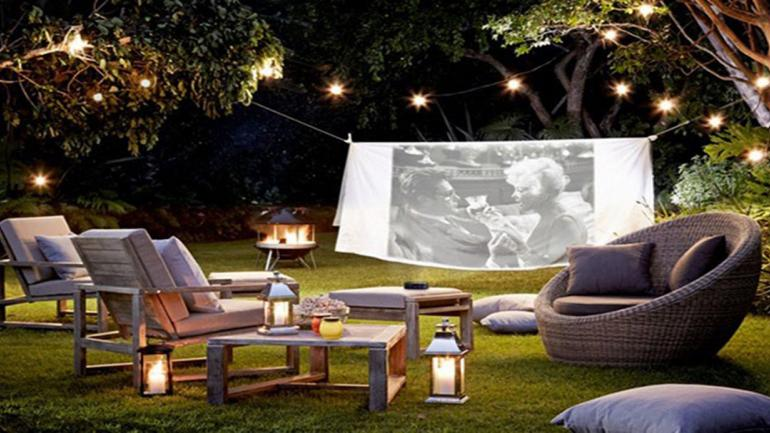 Luces colgantes, son las preferidas para iluminar el patio. (Grupo Edisur)