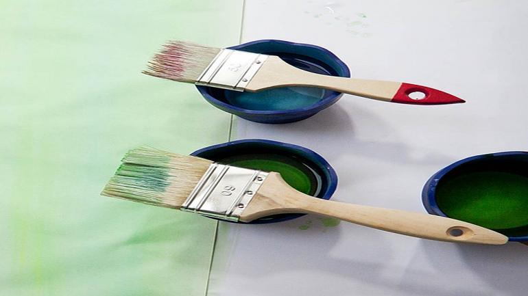 Es importante aplicar fijador sellador a la superficie para que no absorba demasiada pintura y fije mejor. (Grupo Edisur)