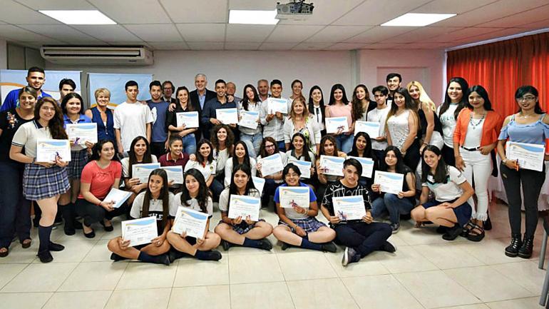 Más de 100 estudiantes de 17 escuelas en dos modalidades diferentes, presencial y semi presencial. (Defensoría del Pueblo)