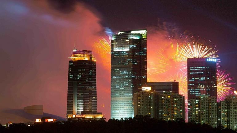 SHENZHEN. Esta ciudad china posee 13 rascacielos, el Shung Hing Square es el octavo más alto a nivel mundial. (Grupo Edisur)